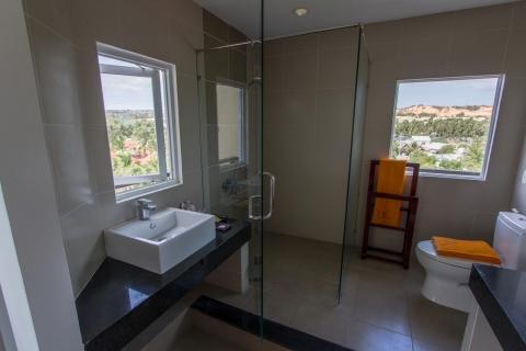 gardenviewsingle-bathroom2-hdr