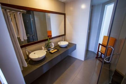 oceanviewdeluxesingle-bathroom